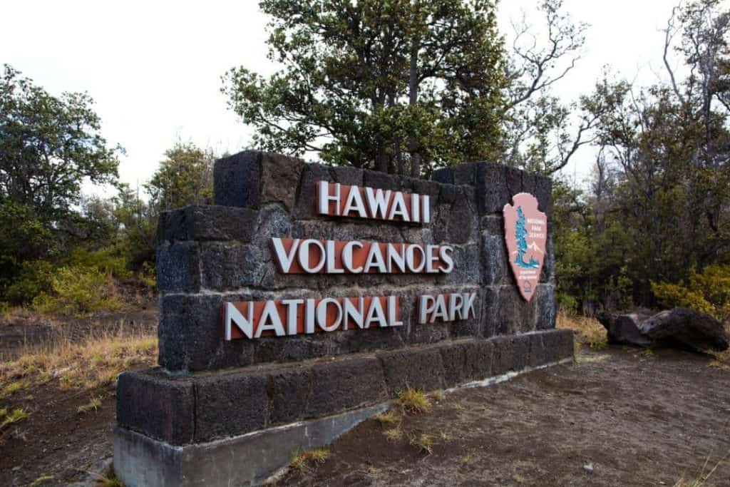 Hawaii Volcanoes National Park. Must see attractions in Hawaii