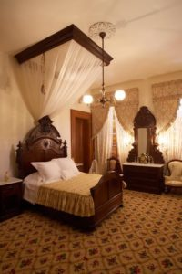Jane_Stanford_Bedroom_in_Mansion