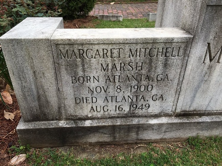 Grave of Margaet Mitchell inOoakland Cemetery in Atlanta, Georgia