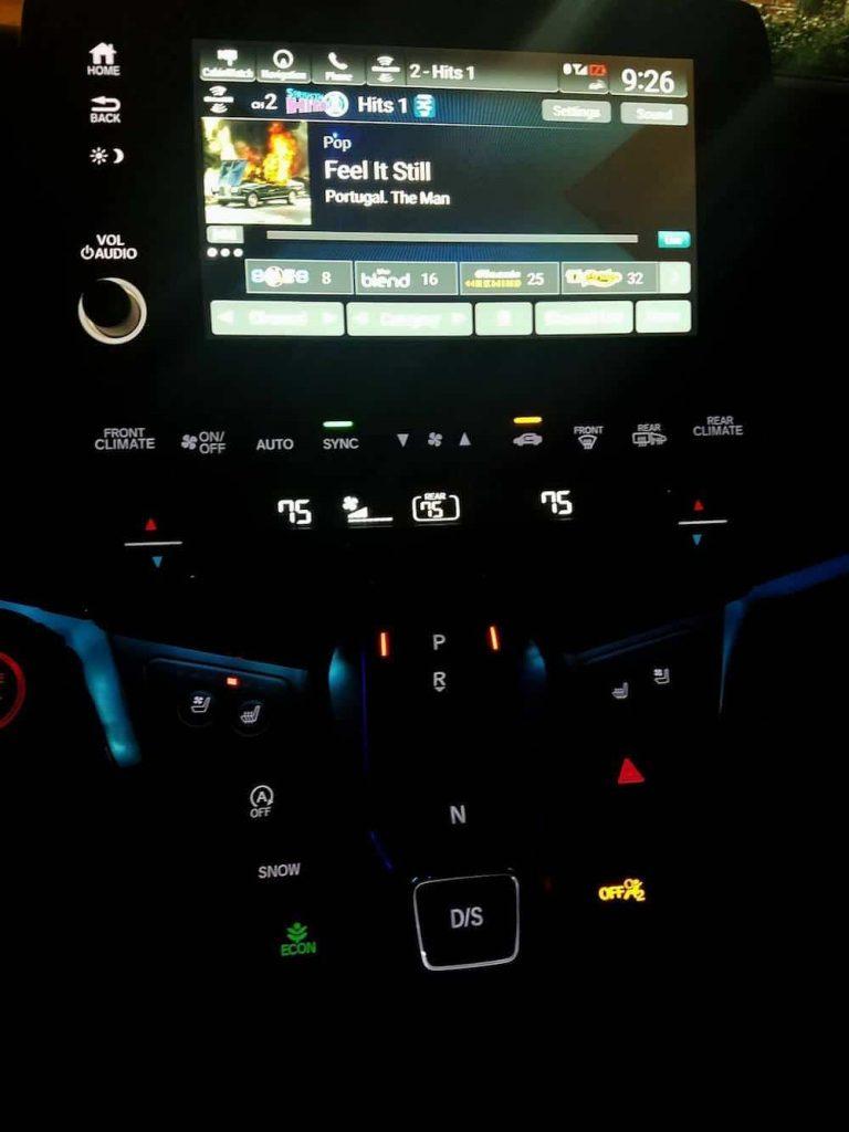Controls on the 2018 Honda Odyssey