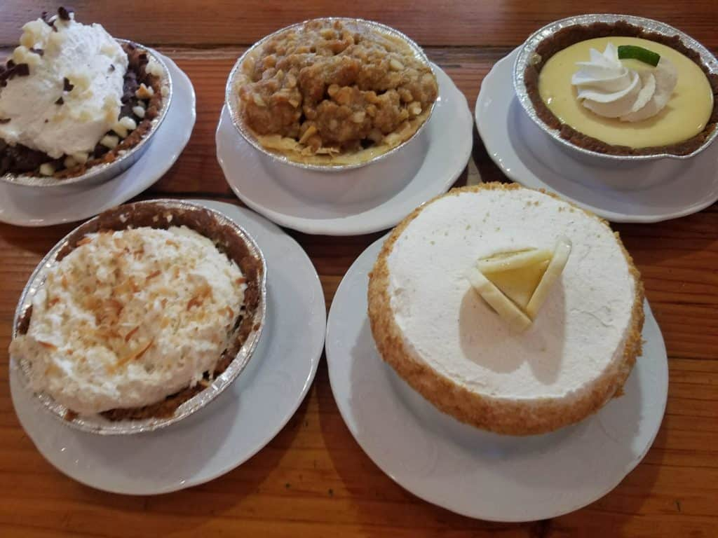 Ultimate Guide to Maui - Where to Eat in Maui