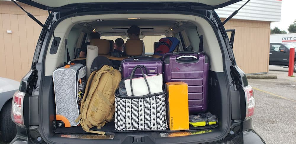 trunk space nissan armada
