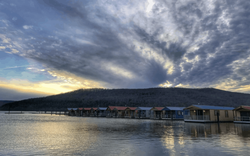 Floating Cabins in Tennessee